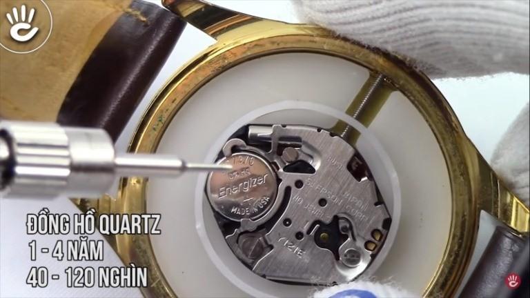 Khi nào nên thay pin đồng hồ Quartz, gia thay pin là bao nhiêu