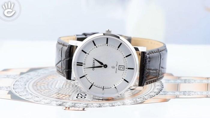 Tone bạc và nâu tạo nên nét cổ điển và thanh lịch từ Orient FGW01007W0-ảnh 1