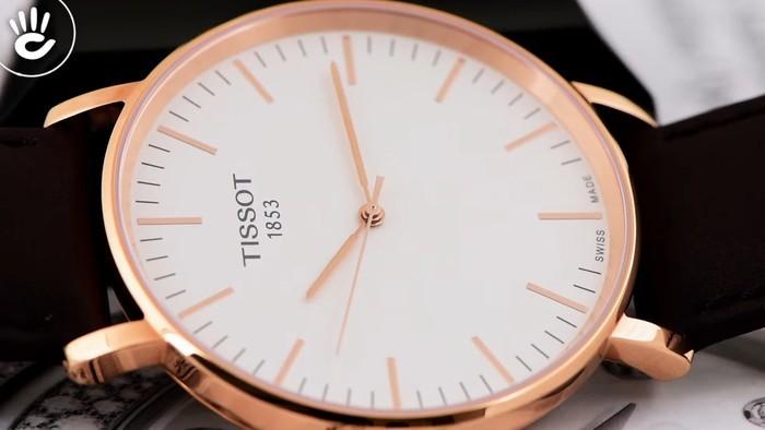 Review đồng hồ Tissot T109.610.36.031.00 vỏ máy pin mỏng chỉ 7mm - Ảnh 4