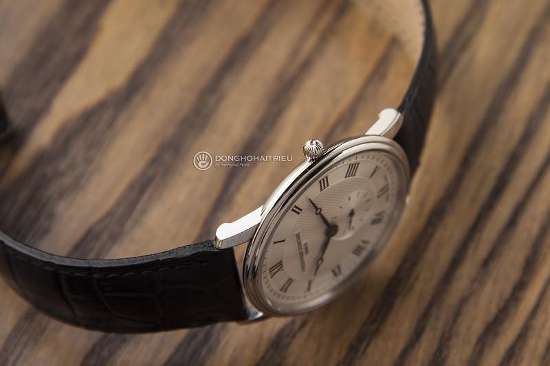 Đồng hồ Frederique Constant FC-235M4S6: Kính Sapphire bền bỉ-4