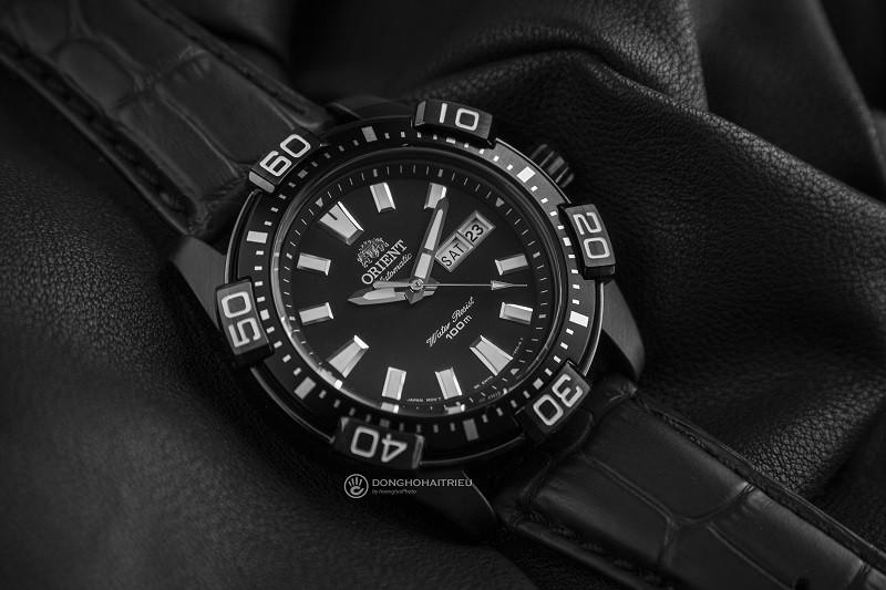Review đồng hồ Orient FEM7R004B9: Kiểu dáng thể thao mạnh mẽ-1
