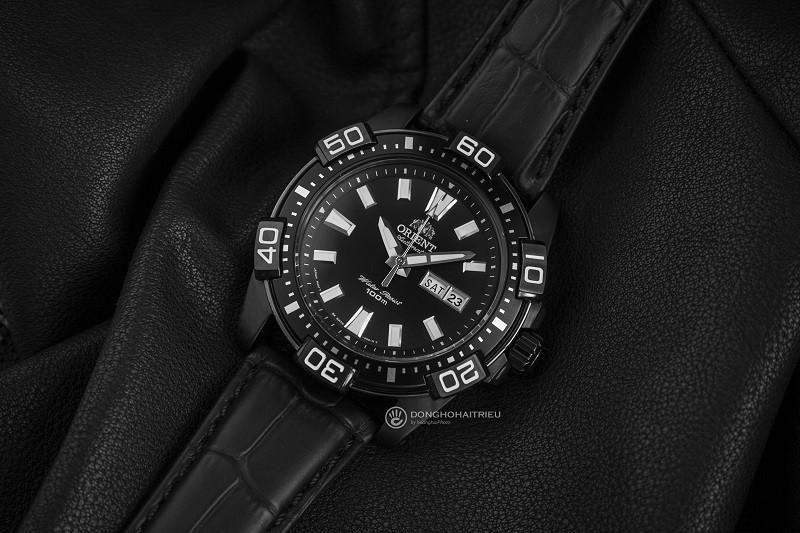 Review đồng hồ Orient FEM7R004B9: Kiểu dáng thể thao mạnh mẽ-2