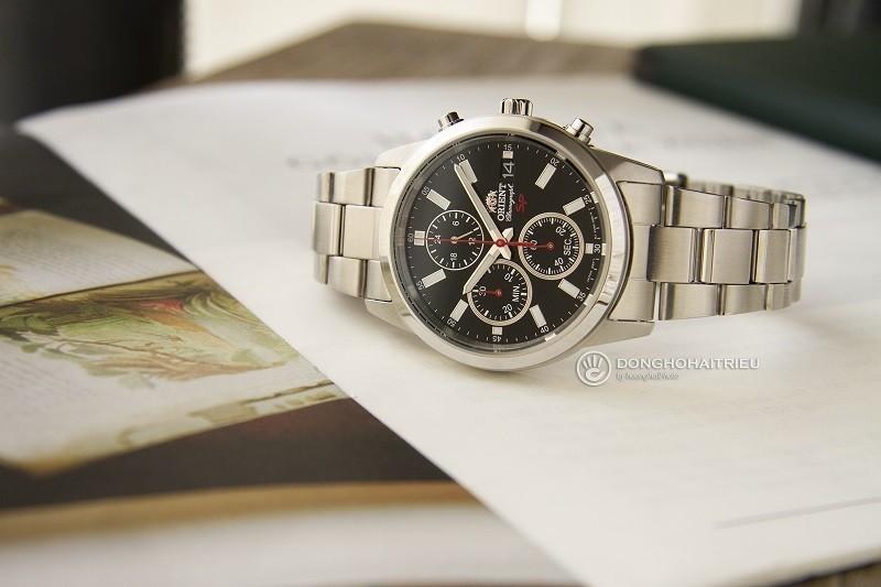 Review đồng hồ Orient FKU00002B0: Bạc nguyên khối sang trọng-1