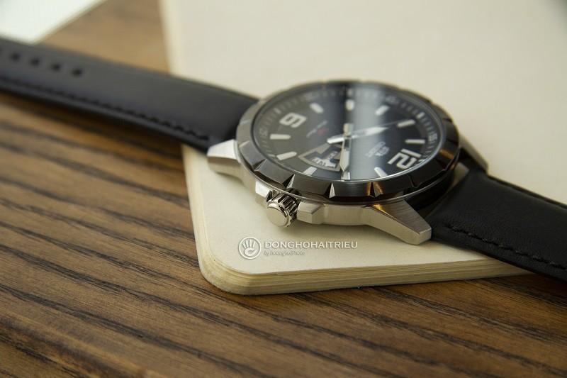 Review đồng hồ Orient FUG1X002B9: Thiết kế mặt vân nam tính-2