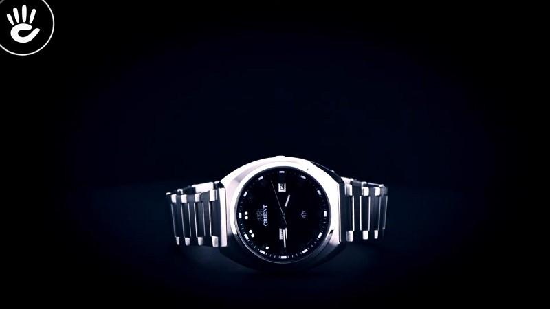 Review đồng hồ Orient FUG1U003B9: Khối kim loại sang trọng-1