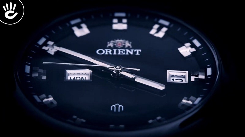 Review đồng hồ Orient FUG1U003B9: Khối kim loại sang trọng-2