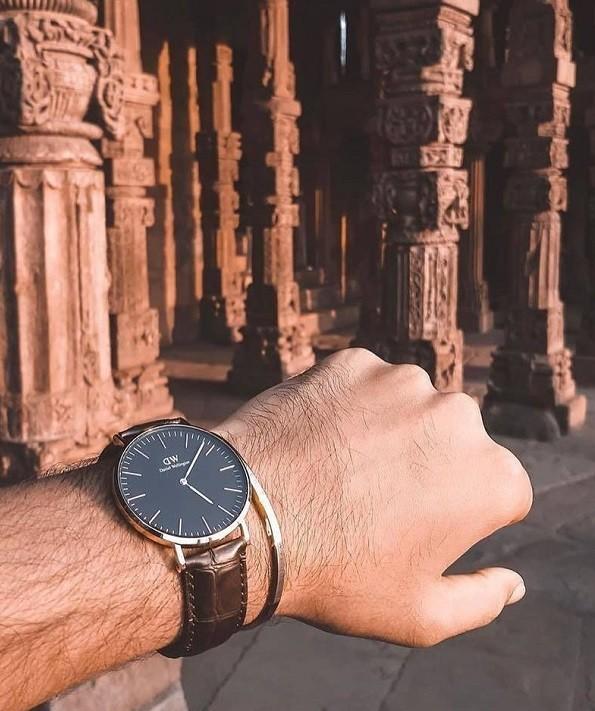 Khó có thể phân biệt được nguồn gốc của đồng hồ DW xách tay