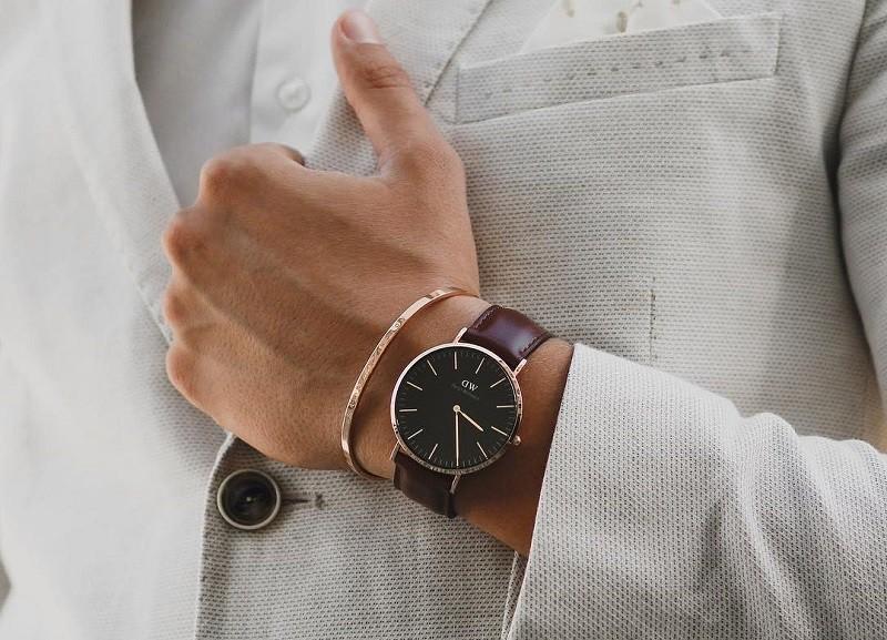 Tất cả đồng hồ DW xách tay tại Việt Nam có phải hàng thật