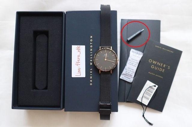 Phụ kiện kèm theo của chiếc đồng hồ DW chính hãng mới
