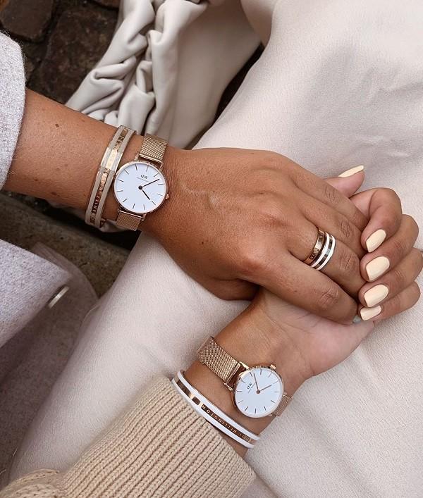 Cần chọn mua đồng hồ DW chính hãng tại các đại lý phân phối hàng chính hãng