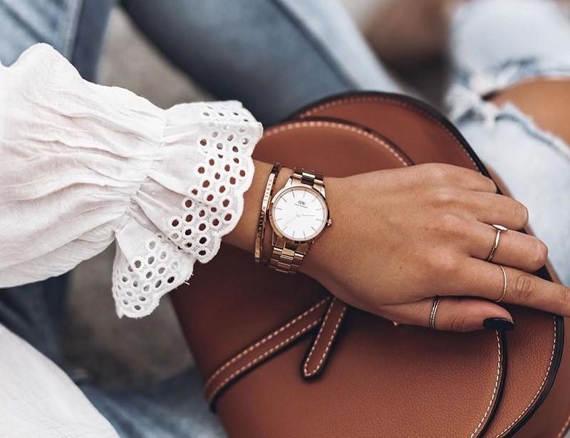 Đồng hồ DW chính hãng thường thu hút bởi vẽ đẹp sang trọng