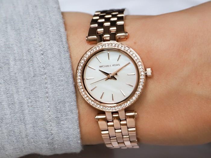 Đồng hồ Michael Kors MK3832 Viền kim cương đầy tinh xảo - Ảnh 4