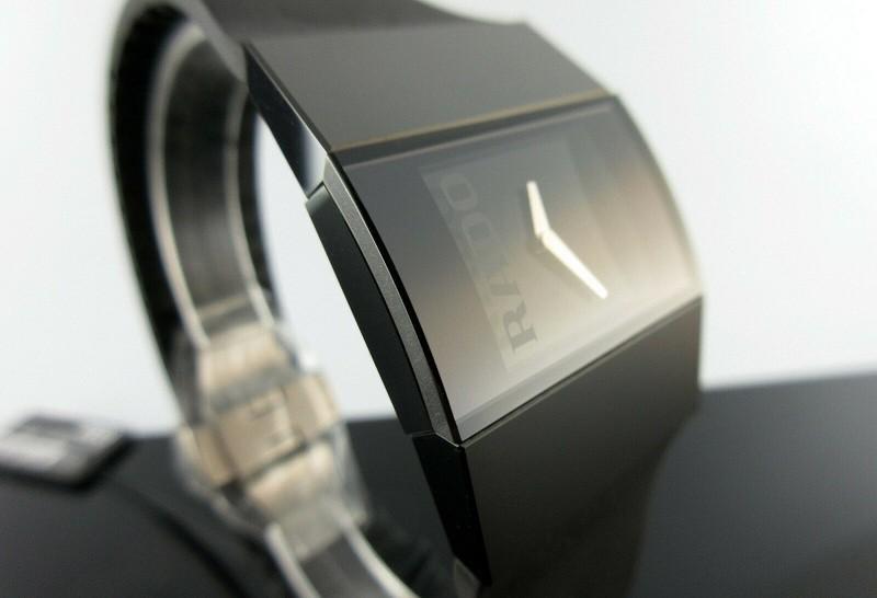 Đồng hồ Rado cứng nhất thế giới có giá bao nhiêu