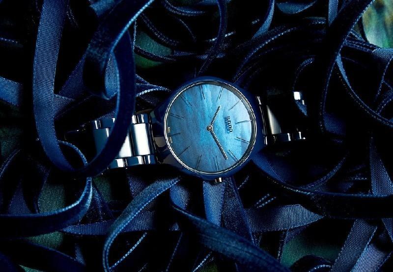 Đồng hồ Rado giá bao nhiêu khi được sử dụng kính Sapphire có độ cứng cao