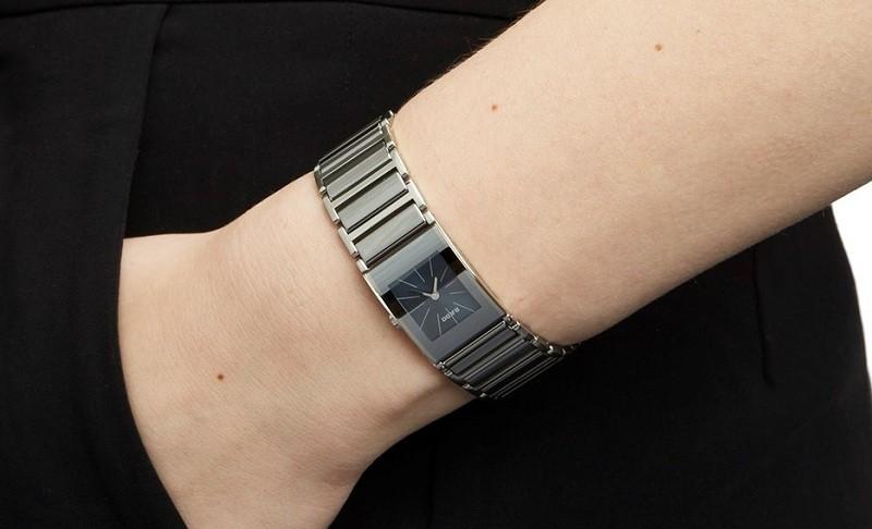Đồng hồ Rado Integral R20747202 có giá bao nhiêu tiền