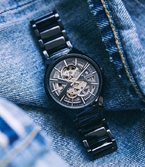 Giá tiền của một chiếc đồng hồ Rado còn tùy thuộc vào chất lượng của chúng