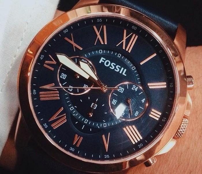 Ngỡ ngàng trước vẻ đẹp lịch lãm của đồng hồ Fossil FS4835IE - Ảnh 2
