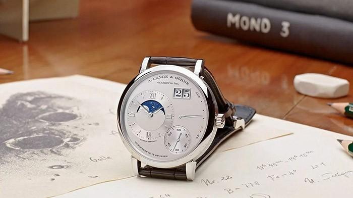 Nhược điểm của đồng hồ truyền thống là gì