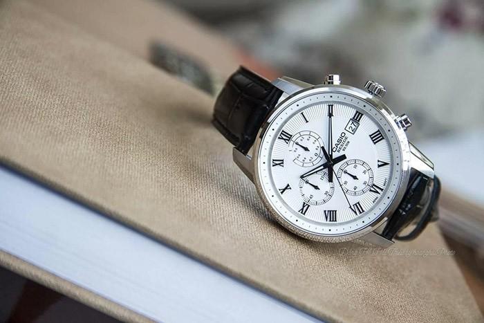 Ưu điểm của đồng hồ truyền thống là gì?