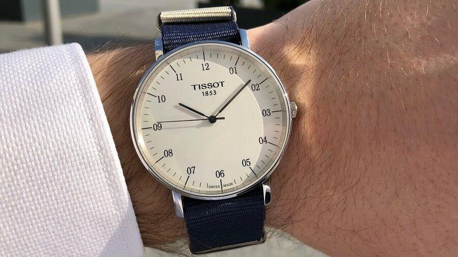 Đánh giá tổng quát mặt số chiếc đồng hồ Tissot giá rẻ