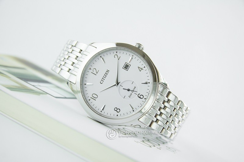 Review đồng hồ Citizen BV1100-55A: Mặt kính Sapphire bền bỉ-1