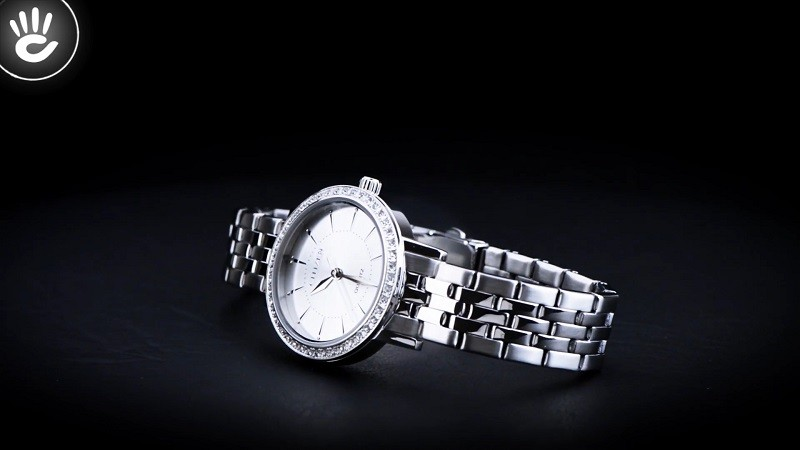 Đồng hồ Citizen EL3040-80A: Khung niềng đính đá sang trọng-3
