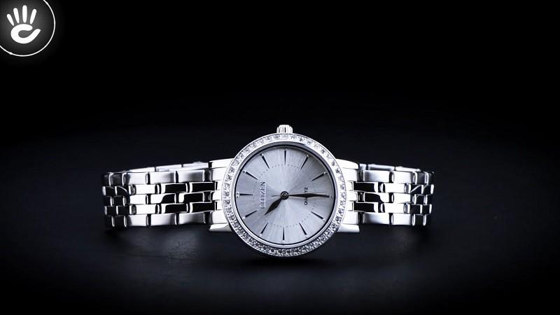 Đồng hồ Citizen EL3040-80A: Khung niềng đính đá sang trọng-5