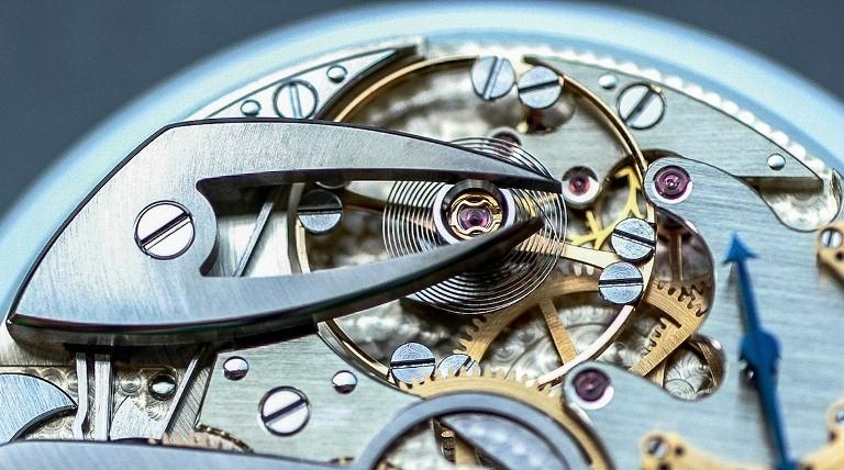Làm sao để chỉnh giờ đồng hồ cơ đơn giản chỉ trong vài bước