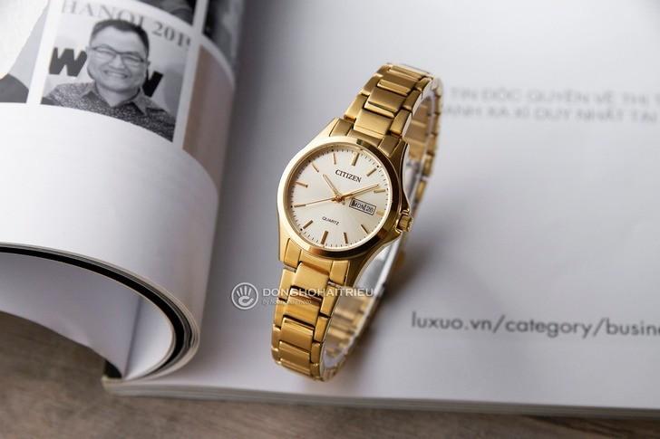 Đồng hồ màu vàng tượng trưng cho vẻ đẹp lộng lẫy xa hoa